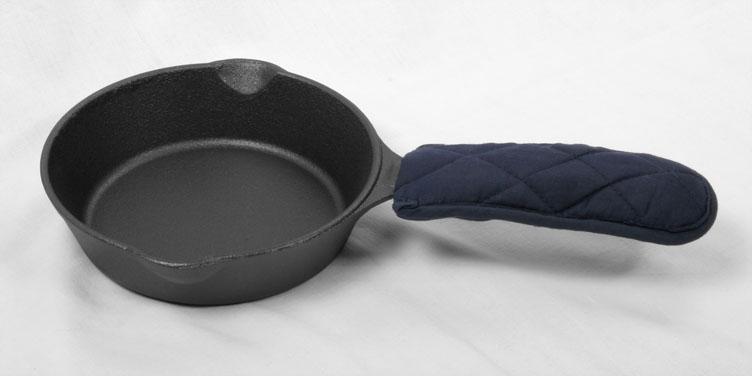 neu bratpfanne pfanne aus gusseisen 16cm durchmesser. Black Bedroom Furniture Sets. Home Design Ideas